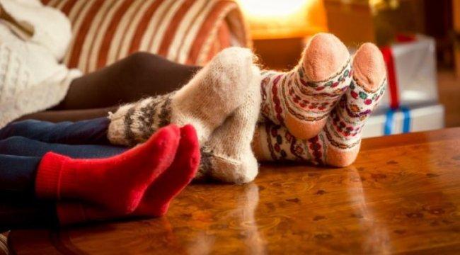 Geceleri çorapla uyumanın hiç bilinmeyen zararları nelerdir?