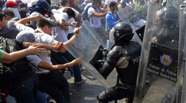 Venezuela'da bir polis karakolunda ayaklanma!