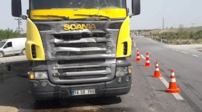 Tırın Çarptı Patpat Sürücüsü Ağır Yaralandı