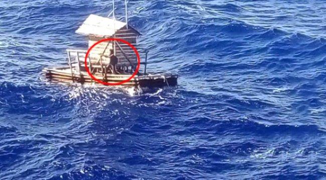 Endonezya'da, Kulübesiyle 49 Gün Okyanusta Sürüklenen Endonezyalı Balıkçı Kurtarıldı