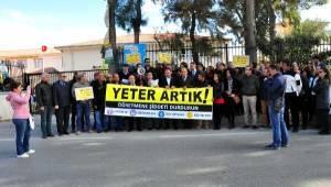 İzmir'de Öğrencinin Ağabeyinden Öğretmene Saldırı