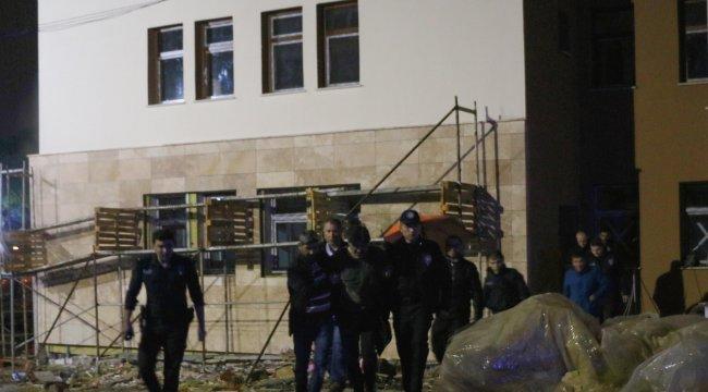 Manisa'da, Müzakereci polis 3 dakikada intihardan vazgeçirdi