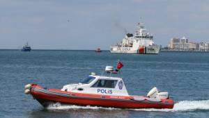 Birlik Operasyonu'Nun Yapıldığı Balıkçı Teknesi İzmir'e Getirildi