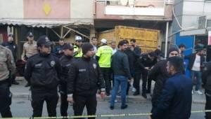 İzmir'in Bayraklı ilçesinde, Kahvehaneye Dalan Kamyonun Şoförü Tutuklandı
