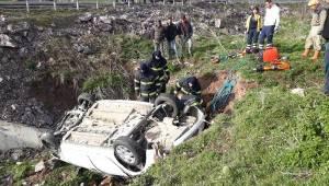 KÜTAHYA'da Otomobil Şarampole Devrildi, Sürücü Ağır Yaralandı