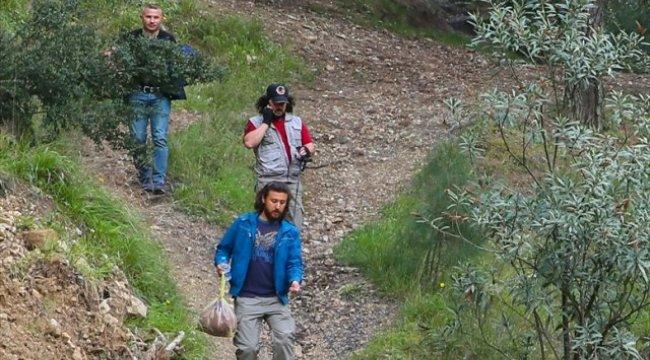 Manisa'da Ortadan Kaybolan Lise Öğrencisi Avm'de Bulundu