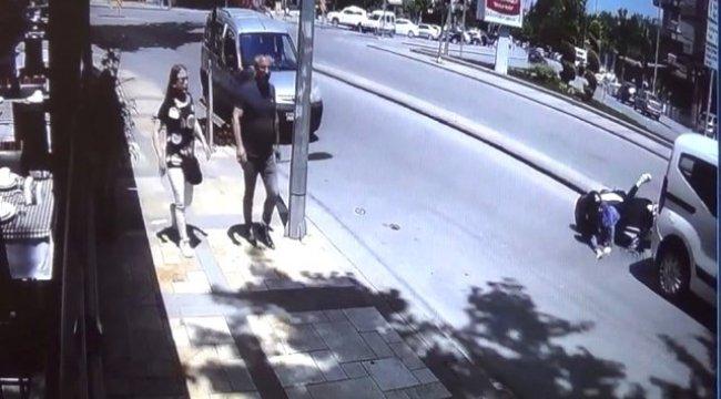 Denizli'nin Pamukkale ilçesinde Hızını Alamayan Motosikletli Kadın Otomobilin Altına Girdi