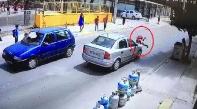 İZMİR'in Torbalı ilçesinde, Okul Çıkışında Otomobilin Çarptığı 8 Yaşındaki Hazal, Yaralandı