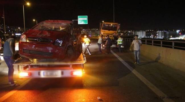 İzmir Viyadükte Zincirleme Kaza 1 Kişi Viyadükten Düşerek Yaralandı