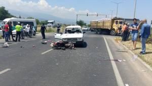 Manisa'da trafik kazası: Ölü ve yaralılar var