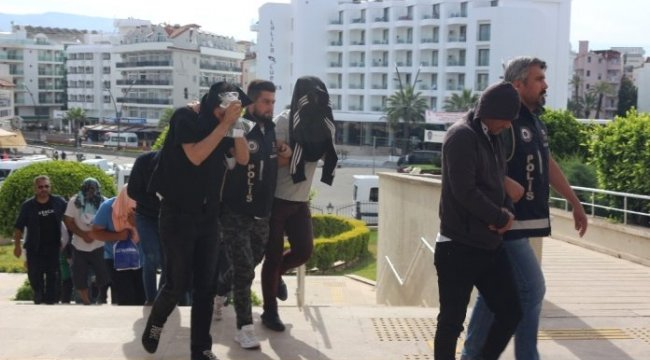 Marmaris 'de örgütlü insan kaçakçılığı operasyonunda 14 şüpheli adliyeye sevk edildi