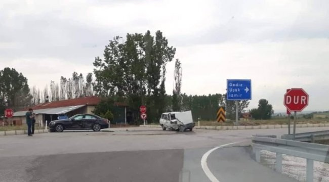 Çavdarhisar'da trafik kazası: 2 yaralı