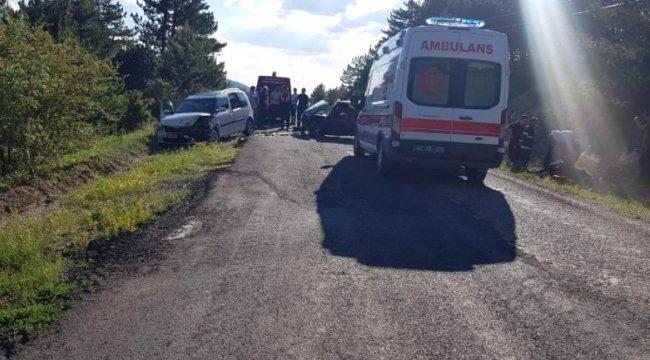 Gediz'de trafik kazası: 8 yaralı