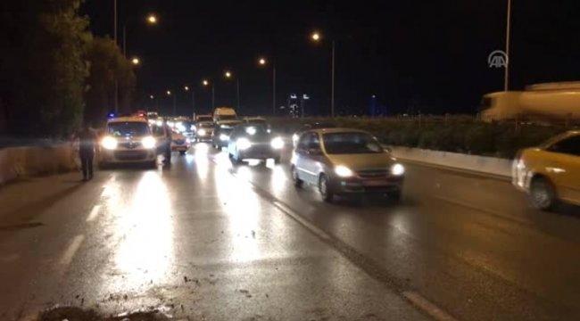 İzmir'de otomobil devrildi: 1 yaralı