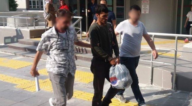 Kütahya'da uyuşturucu sattıkları öne sürülen biri yabancı uyruklu iki zanlı tutuklandı