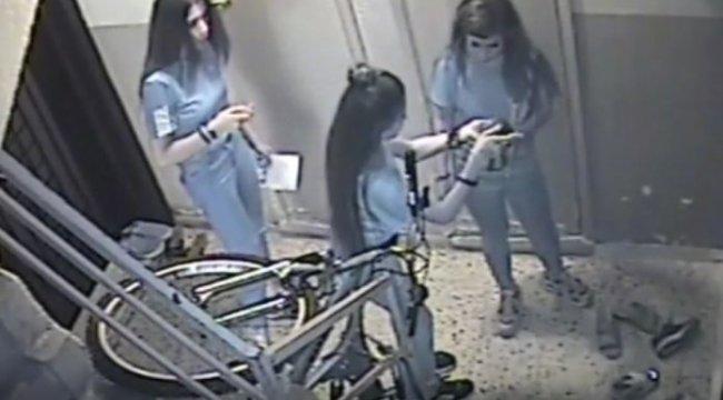 Manisa'da ayakkabı hırsızı kızlar güvenlik kamerasına yakalandı