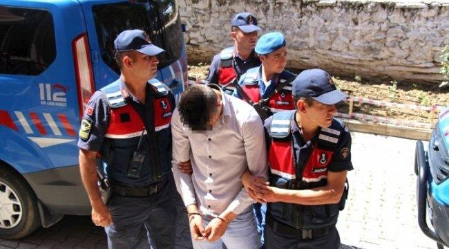 Manisa'nın Kula ilçesinde Jandarma alıcı kılığına girdi, uyuşturucu tacirlerine suçüstü yaptı