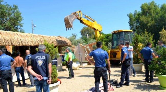 Didim'de kaçak yapıların yıkımı kısa sürdü
