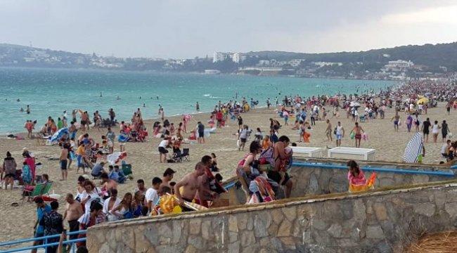 Fırtına Çeşme Plajı'nda paniğe sebep oldu