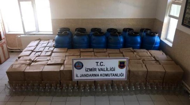 İZMİR'in Karaburun ilçesinde evde üretilen 1990 litre sahte şarap ele geçirildi