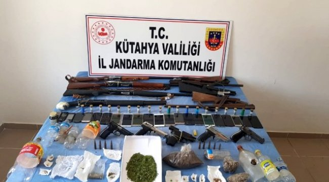 Kütahya merkezli uyuşturucu operasyonu: 20 gözaltı