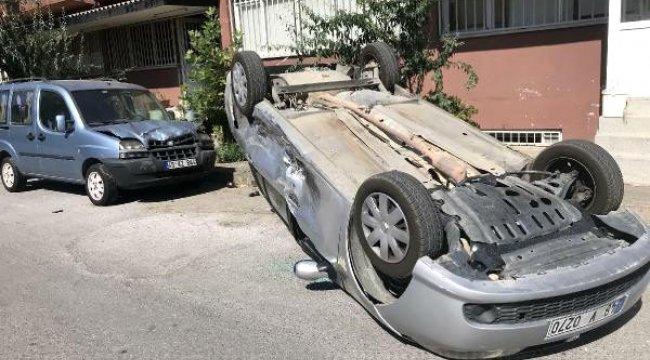 MANİSA'nın Yunusemre ilçesinde, hafif ticari aracın çarptığı otomobil takla attı: 1 yaralı
