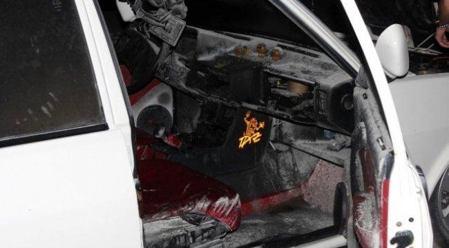 Muğla Menteşe'de park halindeki araç yandı