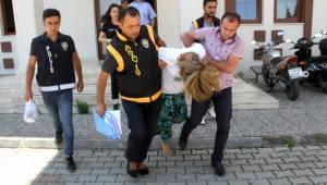 Muğla'nın Fethiye ilçesinde cezaevi'nden firar edip sahte kimlikle hırsızlık yaparken yakalandılar