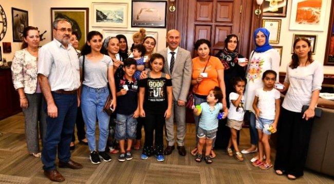 'Çocuk İzmirim' kartları Başkan Soyer'den