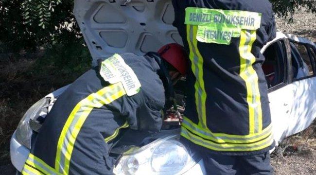Denizli'de otomobil şarampole devrildi: 4 yaralı