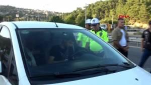 İzmir Vali Yardımcısı ve Emniyet Müdürü, sürücülere uyarılarda bulundu