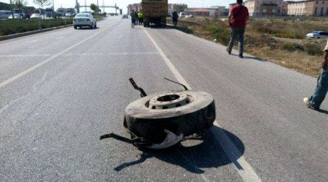 Denizli'de otomobil kamyona çarptı: 1 yaralı