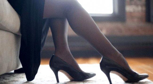Manisa'da bir adam,dolandırıcı kadın ve sözde akrabaları, internetten tanıştığı adamın çıplak fotoğraflarını çekerek para istedi