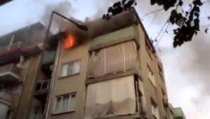 Aydın'da, yangında evde mahsur kalan anne ve oğlu kurtarıldı