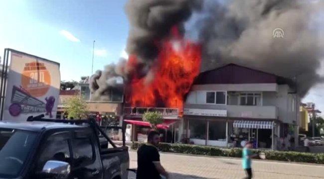 Fethiye'de iş yeri yangını