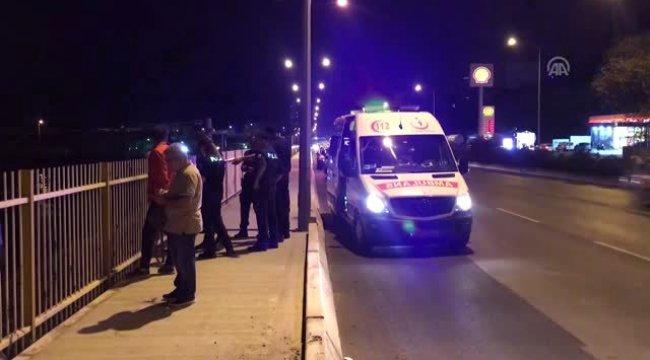 İzmir'in Bayraklı ilçesinde İZBAN treninin çarptığı kişi hayatını kaybetti.