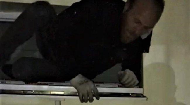 Kütahya'da evin musluklarını çalan şüpheli, havalandırma camında suçüstü yakalandı