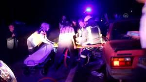 Kütahya'nın Tavşanlı ilçesinde İki otomobil çarpıştı: 1 ölü, 3 yaralı