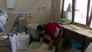 Manisa bu mahallede ekmekleri kadınlar üretiyor