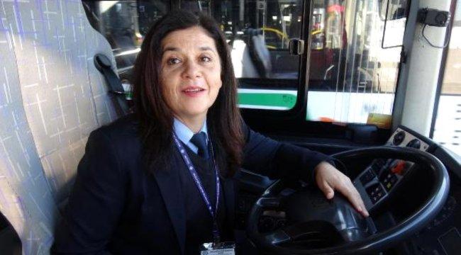 Belediye otobüs şoförü Gülgün, kızlarını okutuyor
