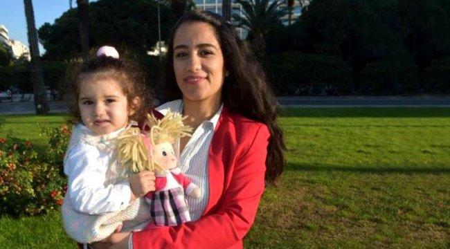 İzmirli bir yardımsever, oruç tutamadığı için 60 bin çocuğa giysi yardımı yaptı