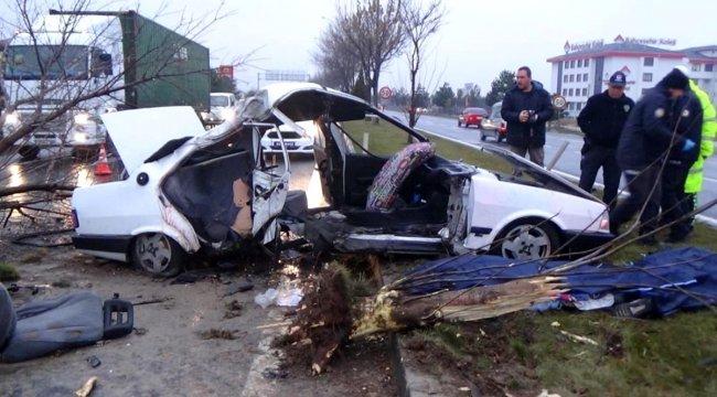 Kütahya'da feci kaza: 2 ölü, 3 yaralı