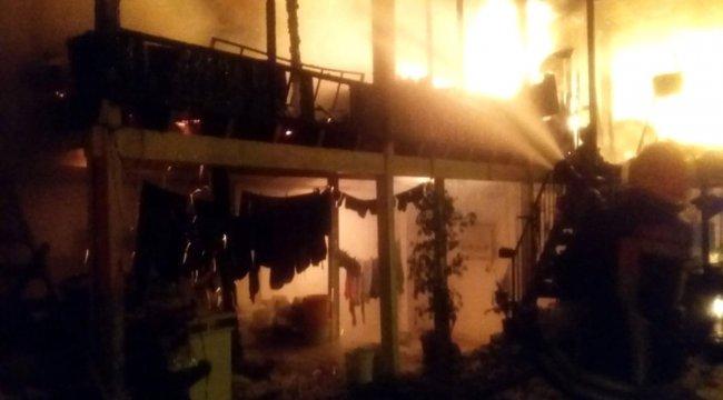 Bodrum'da iki ev küle döndü