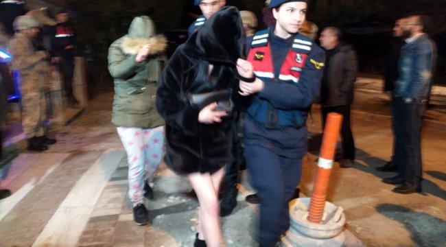 Denizli'de 30 adrese yapılan fuhuş baskınında 71 kişi gözaltına alındı!