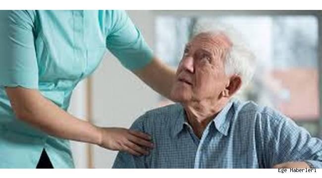Yaşlı Bakıcı Seçimi Nasıl Yapılmalı?