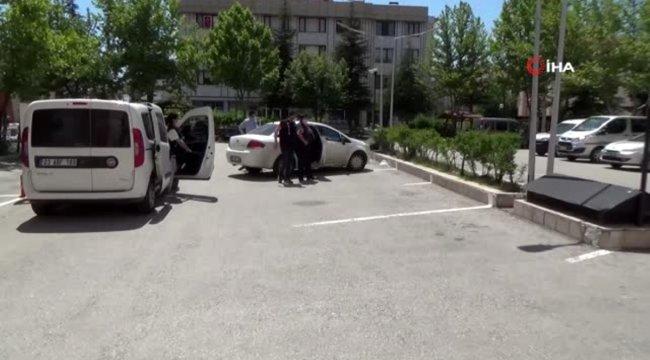 'Kasık masajı yapılır' ilanını gören polisten fuhuş operasyonu