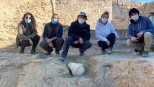 Laodikya'da 2 bin yıllık rahip başı heykeli gün yüzüne çıkarıldı