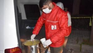 Kızılay'dan kısıtlamada görev yapan polis ve bekçilere çorba ikramı