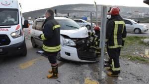 Otomobil ile minibüs çarpıştı: 7 yaralı