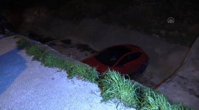 Polisten kaçan 14 yaşındaki sürücü otomobil ile dereye düştü